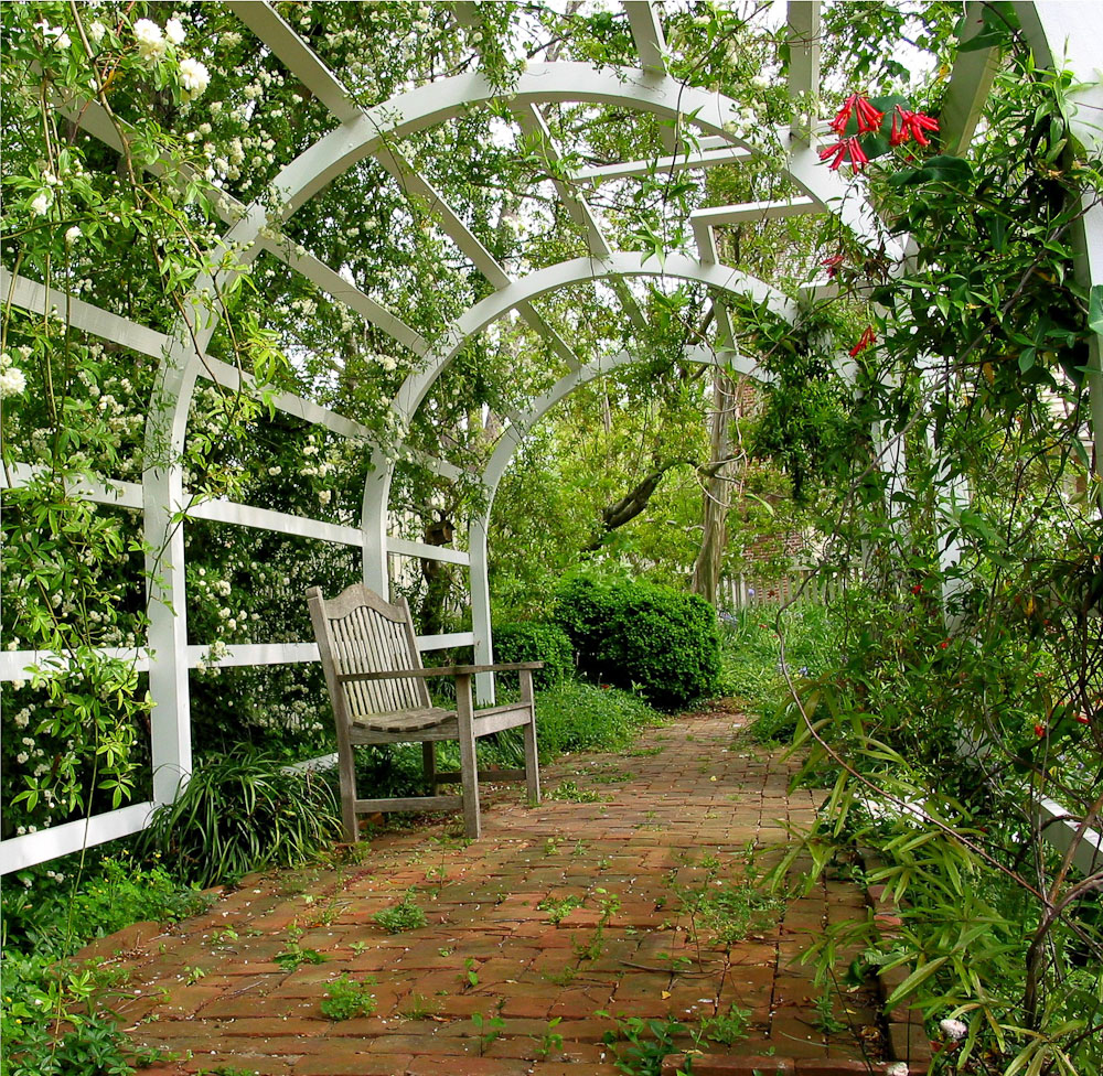 Cupola house gardens in bloom edenton north carolina for Garden in house designs